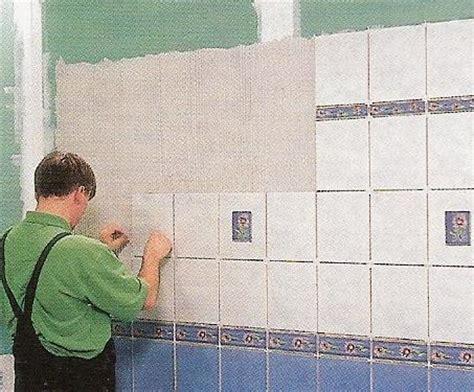 faire de la faience poser un carrelage mural