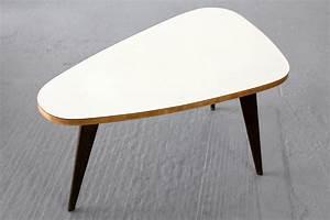 Table Basse 3 Pieds : table basse trois pieds maison design ~ Teatrodelosmanantiales.com Idées de Décoration