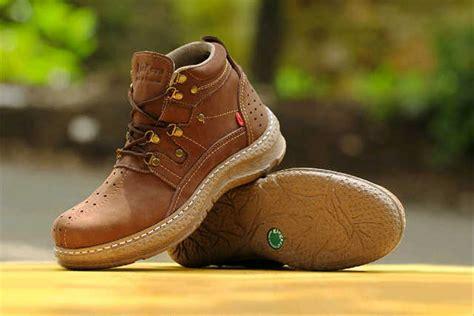 jual sepatu boot kickers kicker boots ujung baja di lapak adinda adindaraya
