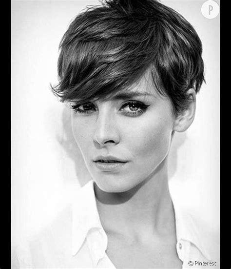 La coupe de cheveux pour visage rectangulaire idéale : Forme De Visage Rectangulaire Coupe / Visage Coupe Cheveux ...