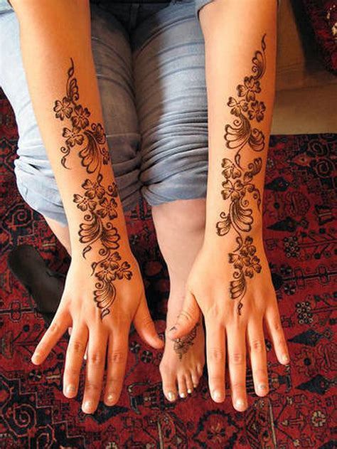 Women Beauty Tips 10 Gorgeous Wrist Mehndi Designs
