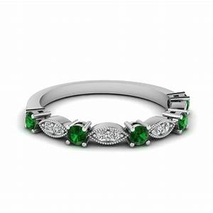 White gold round green emerald wedding band with white for Emerald green wedding ring
