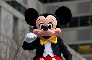 Happy Birthday Mickey Mouse : 17 interesting facts about mickey mouse happy birthday mickey ~ Buech-reservation.com Haus und Dekorationen