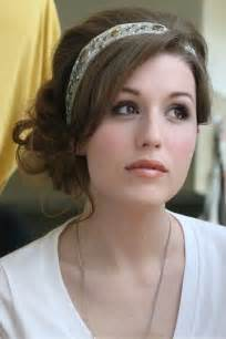 Pretty Hairstyle with Headband