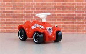 Bobby Car Ferrari : petite voiture pour enfant latest ferrari laferrari g ~ Kayakingforconservation.com Haus und Dekorationen