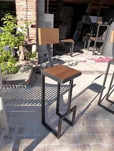 Chaise Haute Industrielle : chaises tabourets bancs ~ Teatrodelosmanantiales.com Idées de Décoration