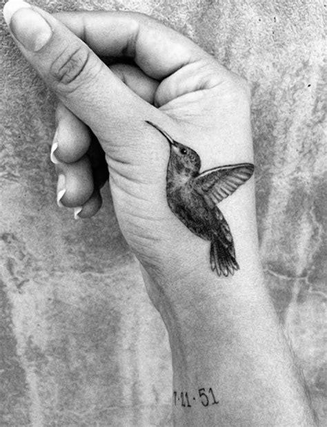 31 Hummingbird Wrist Tattoos Design