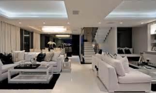 modernes wohnzimmer schwarz glas und weiß couchtisch design ideen für das moderne wohnzimmer