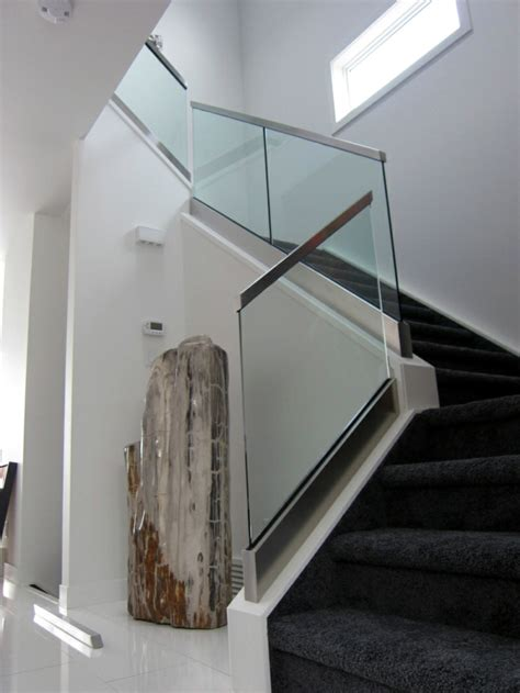 treppengeländer aus glas 40 treppengel 228 nder glas luftiges gef 252 hl im innendesign einsetzen