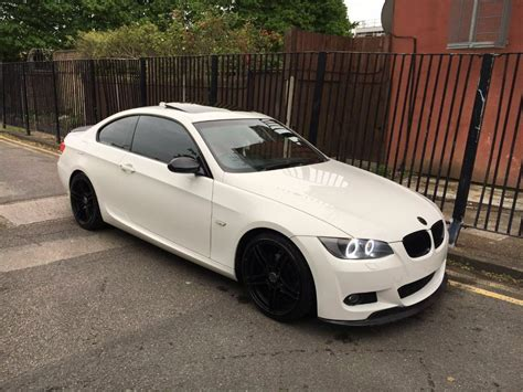 bmw   sport  coupe alpine white light