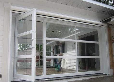 porte avec chatiere integree une porte de garage dans le d 233 cor d 233 conome