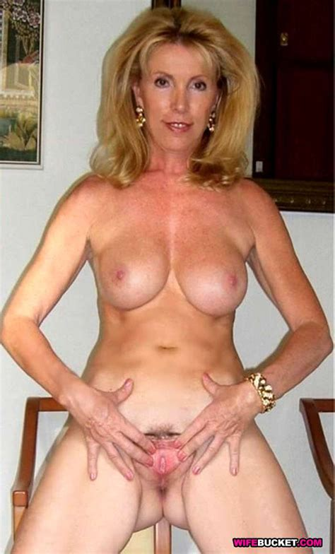 Naked Amateur Wives And Milfs Pichunter