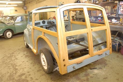 A Morris Traveller's journey to the perfect restoration
