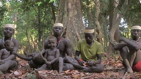 berada  dekat sumatera utara suku kuno jarawa