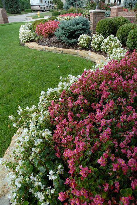 how to arrange a flower bed top 28 arranging flower beds seasonal flower