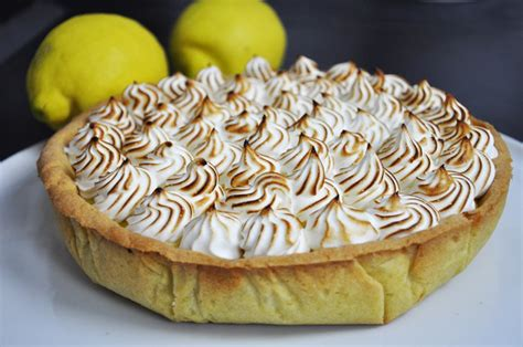cuisine tarte au citron meilleure recette de tarte au citron meringuée en vidéo
