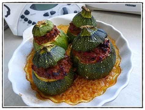 cuisiner courgettes rondes courgettes rondes farcies à la viande version avec