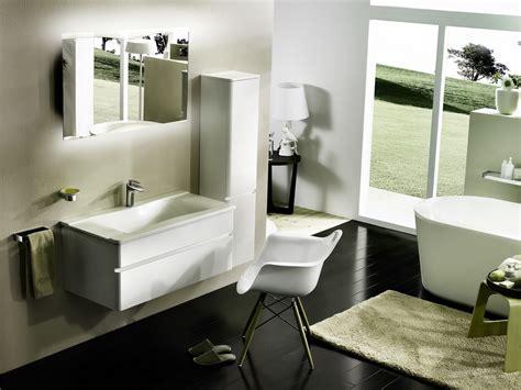 Carla Modern Bathroom Vanity Set In