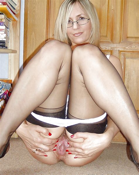 Upskirt Nylon Stockings Grannies And Matures 66 Pics