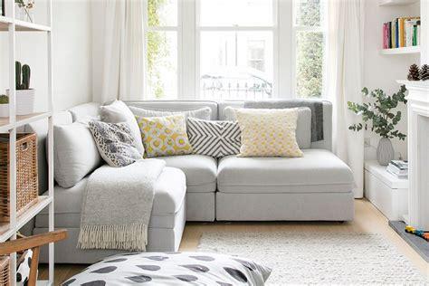 Kursi sofa tantra adalah kursi sofa untuk pasutri (pasangan suami istri) yang harus anda punya, kursi sofa kursi sofa tantra. Dimensi Sofa Ruang Tamu - Siti