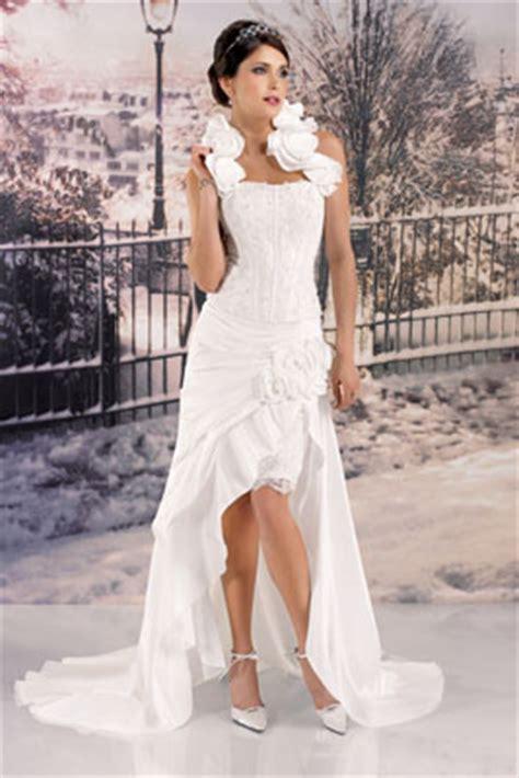 robe de mariã e bustier dentelle et perles magasin location de robes de mariée originale dans le nord pas de calais robe de mariées