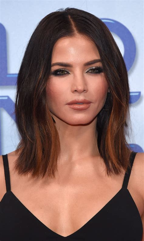 15 medium and shoulder length hairstyles for haircut inspiration