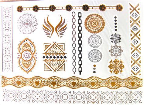 tatouage temporaire metallise fleur mandala  arabesque