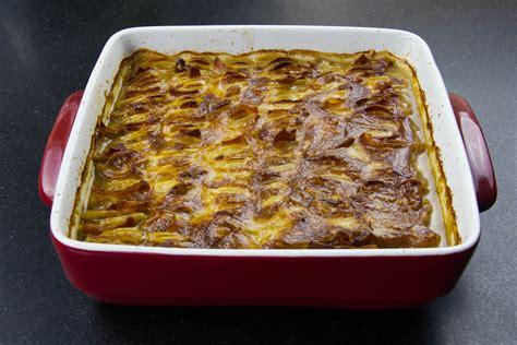gratin de pommes de terre au lard et oignons les