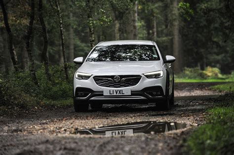 company car review  drive vauxhall insignia country