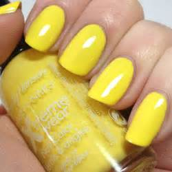 Yellow color nail art design : Art yellow nails nail paint