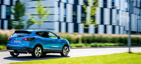 nissan qashqai release date hybrid price review