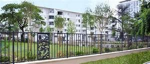 barriere pour cloture jardin 20170812144218 arcizocom With jardin et piscine design 2 des clatures de jardin design pour delimiter avec style