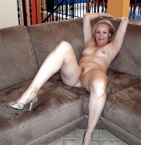 Nackt Reifen Mit Haarige Muschi Pornobilder Sex Fotos Xxx Bilder
