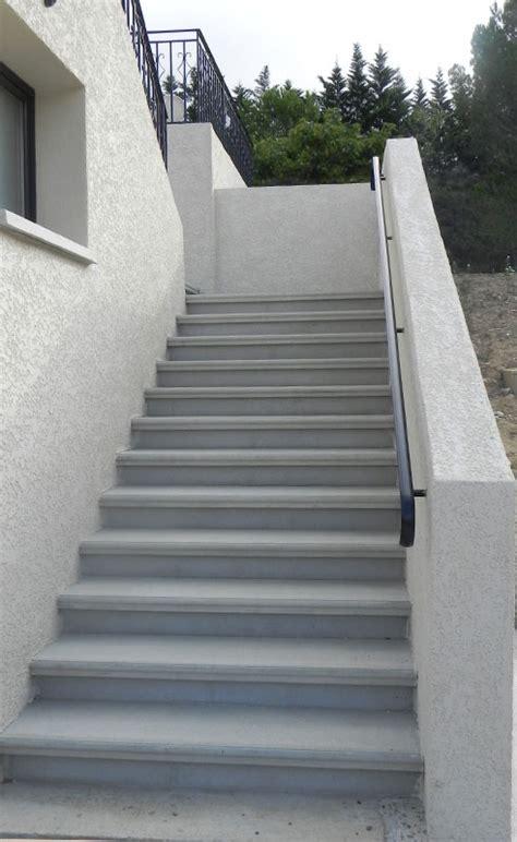 escalier en exterieur fabrication et pose d escalier en b 233 ton et en bois 224