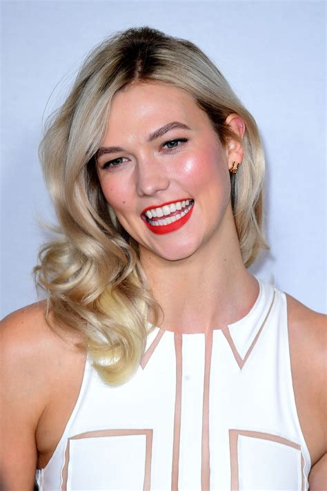 Karlie Kloss Red Carpet Carolina Herrera Fragrances
