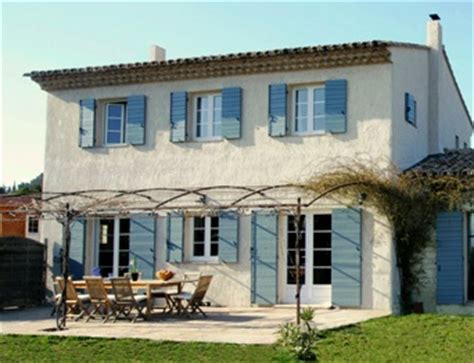 provence maison traditionnelle ou maison contemporaine