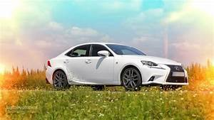 Lexus Is 300h F Sport : 2014 lexus is 300h f sport tested by autoevolution autoevolution ~ Gottalentnigeria.com Avis de Voitures