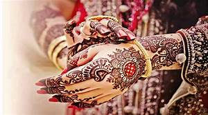 Beauty of Hands With Mehendi, Bangles, Hand Gajra's & Nail ...