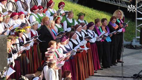Dziesmu un deju svētku ieskaņas koncerts Talsos - YouTube