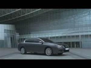 Geste Commercial Renault : 2011 renault latitude commercial film youtube ~ Medecine-chirurgie-esthetiques.com Avis de Voitures