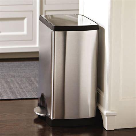 poubelle cuisine pedale poubelle de cuisine à pédale 30 litres inox brossé