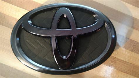 toyota prius front emblem black chromed priuschat