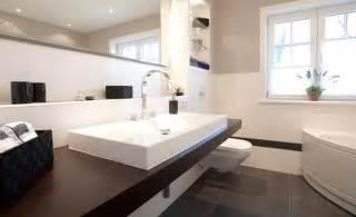 badezimmer kacheln moderne badgestaltung mit fliesen fliesen 2017