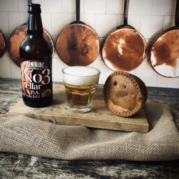Traditional Pork Pies from Yorkshire   Vale of Mowbray
