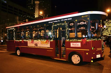 chicago trolley holiday lights tour hilton mom voyage