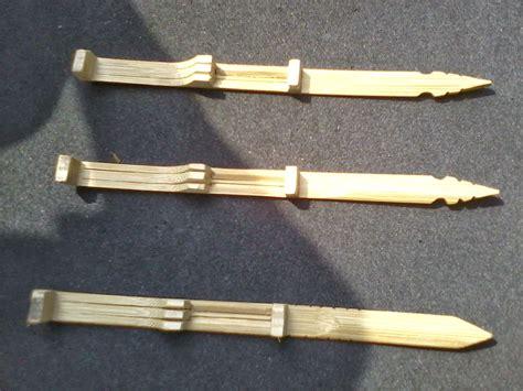 Angklung merupakan salah satu alat musik tradisional yang multitonal atau bernada ganda. 1. Karinding