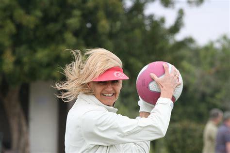 le bureau serie le bureau golf communications international