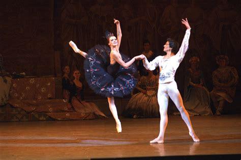 review mariinsky ballets swan lake dancers poetry  motion toronto star