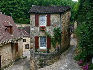 La Petite Maison: Charming 500 Year Old French Cottage in