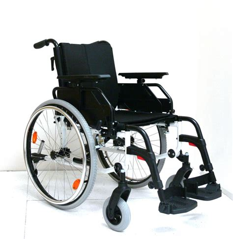 pearl deluxe aluminium wheelchair 18 quot comfort discovered